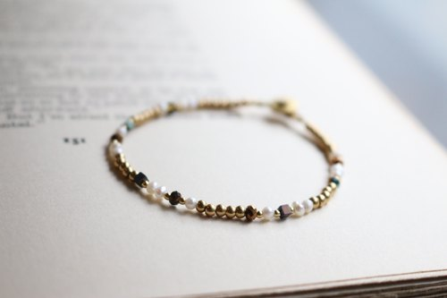 <☞ HAND IN HAND ☜> Natural Pearl - grilles bracelet (0705)