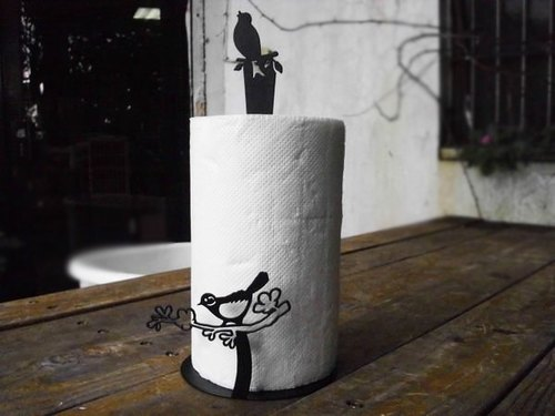 Birds on the table type paper towel rack, with a sense of life elegant design, to create a pleasant image