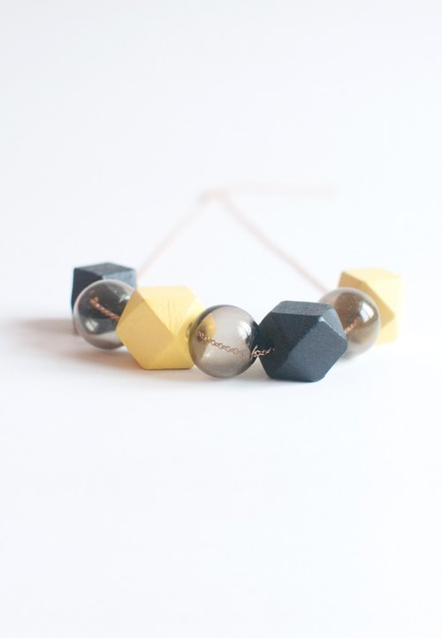 Yellow Black Tinted Glass Necklace NL1015