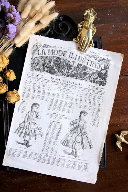 French antique books and ancient props La Mode Illustre / No.34 / books newspapers and magazines