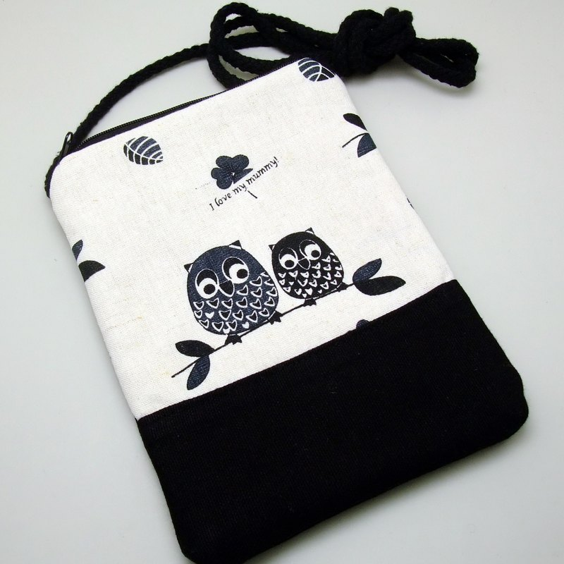 Cell phone bag / Smart phone bag / Shoulder purse / Crossbody bag ~ Black owls