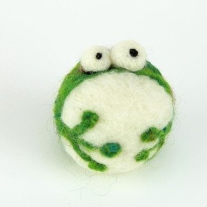 Woolbuddy - Handmade Mini Frog (cell phone charm/key) (Green)