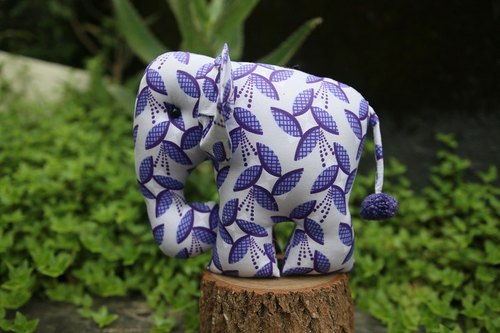 Cloth elephant