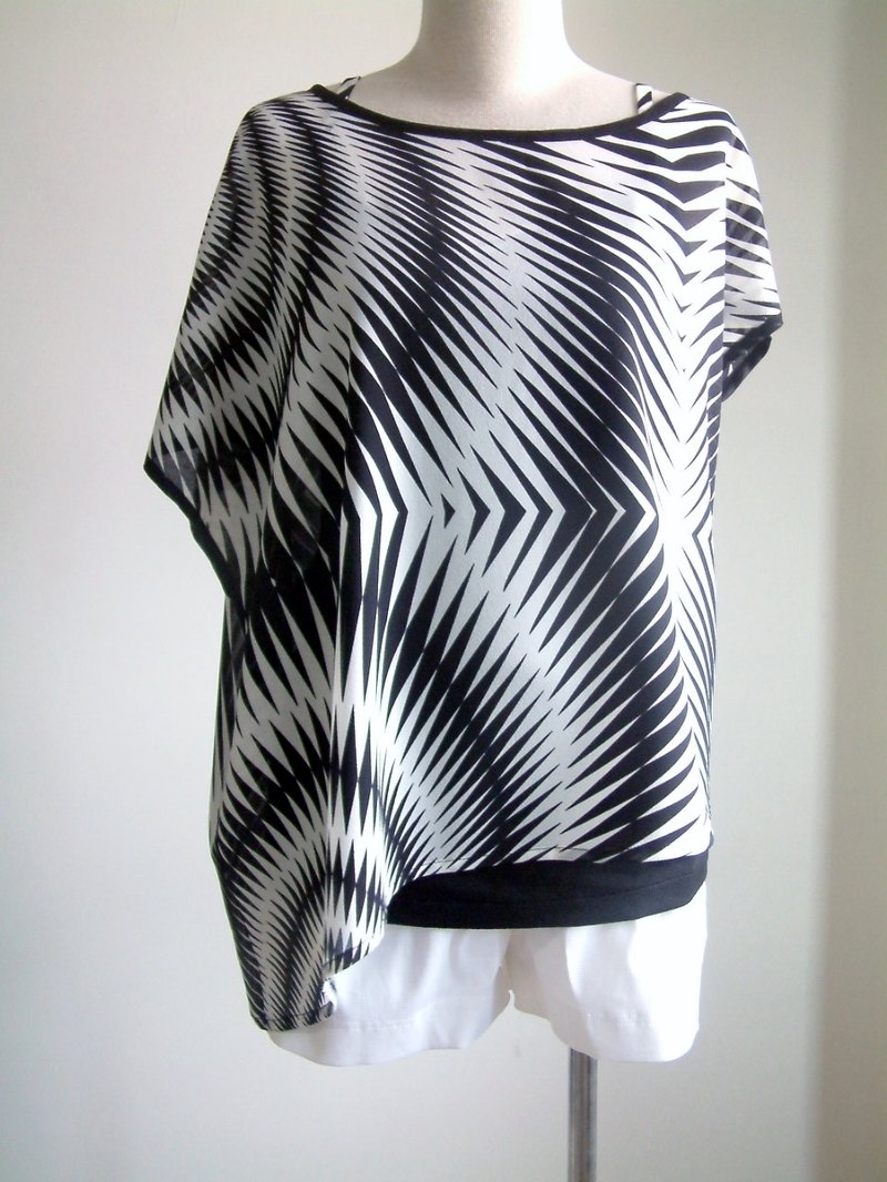Irregular Sleeve Top - black and white