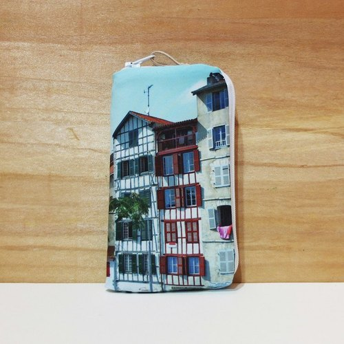 [Travel] good phone sets (small) ◆ ◇ ◆ ◆ ◇ ◆ Basque blood