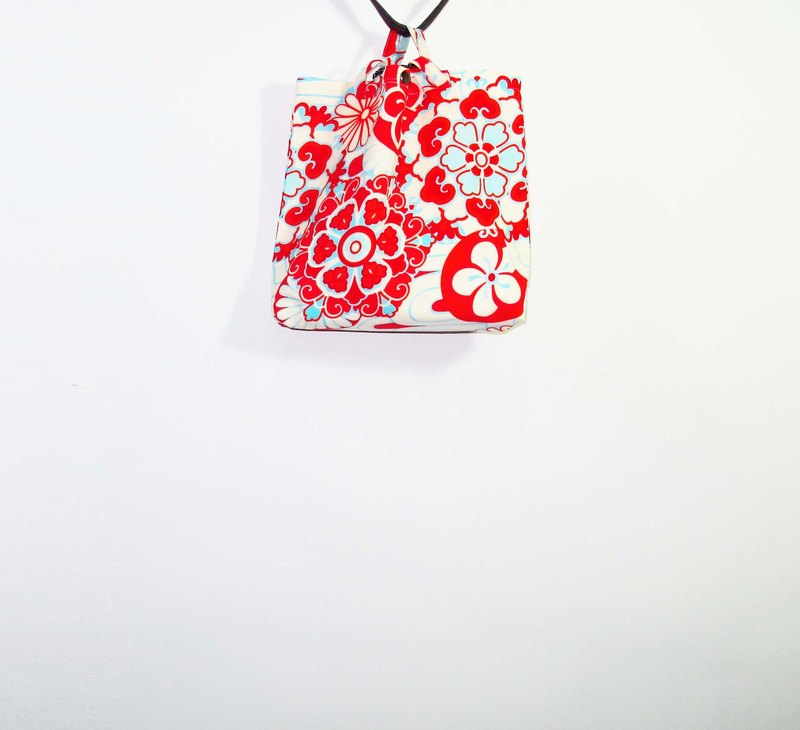Wahr_ short flowers  shoulder bag