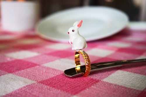 CutFing - Picnic Collection white hare Rings