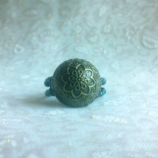 Buckle. Ring - Retro carved dome Button Ring