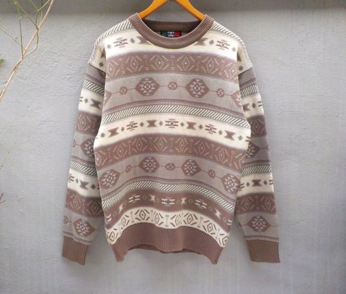 FOAK vintage Brenntano national totem sweater
