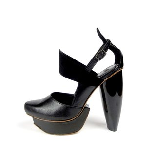 CLAVE [A Season for Murder] DECLARE-Black-Platform shoe