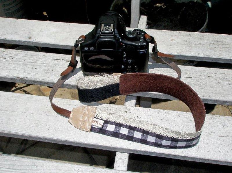 手作單眼.類單眼減壓相機背帶.相機背繩---蕾絲黑格款 聖誕節 交換禮物