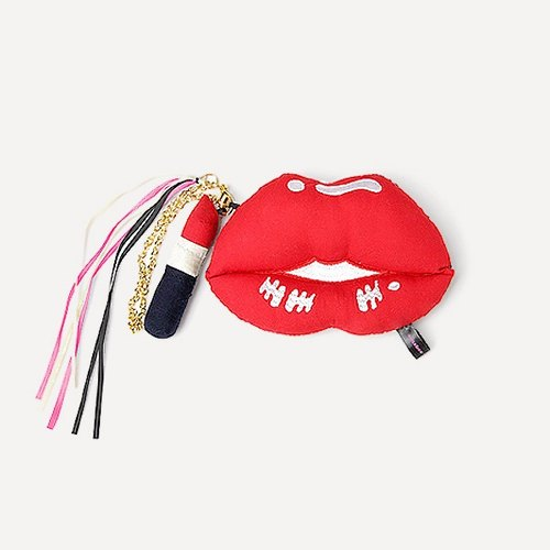 Amabro rattles ornaments · lips