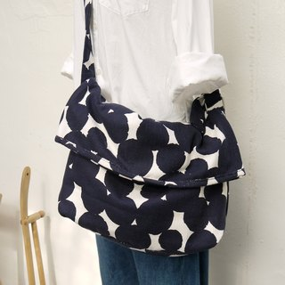 Folly Shoulder Bag M Dot