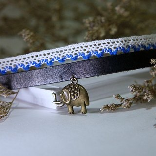 Elephant in the room - Lace Leather Choker