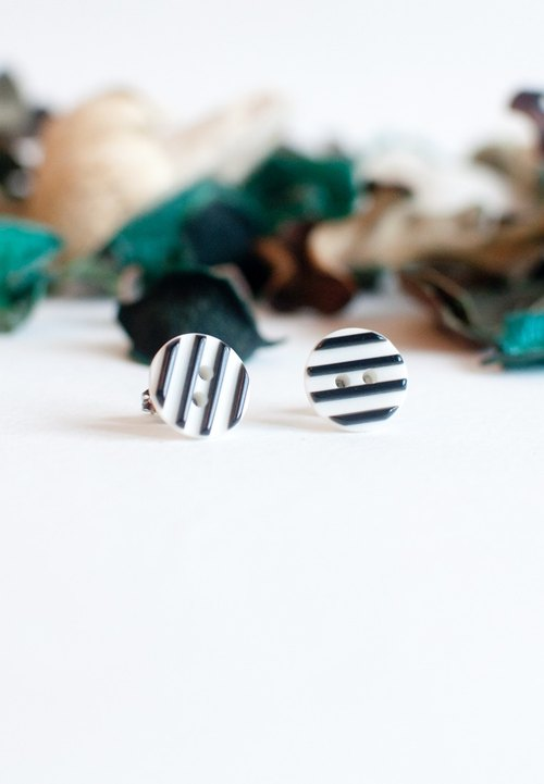 Black & White Stripe Earrings ER0871