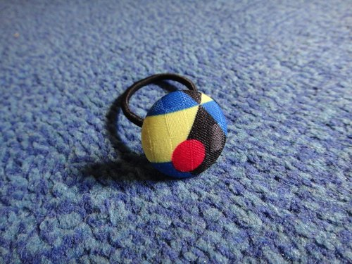 (C) Space Unlimited _ cloth button hair band C40CIZ50