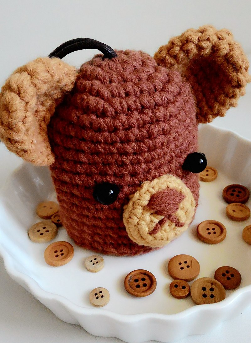 Crochet wool bear key fob / key sets - coffee A carton packaging design Christmas gift exchange