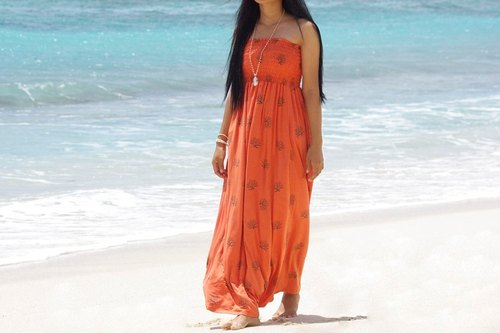 Coral could be inspired from a lot ♪ sea Coral print tube top long dress < Orange >