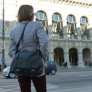 La Poche Secrete on the journey: life bag of a handsome life _ firm blue _ shoulder cow leather bag
