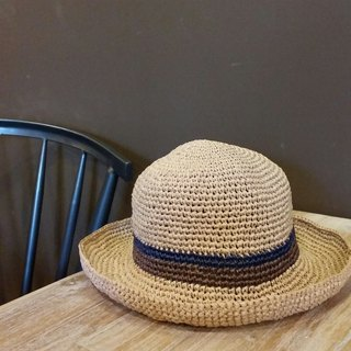 Wide eaves straw hat - warm linen color