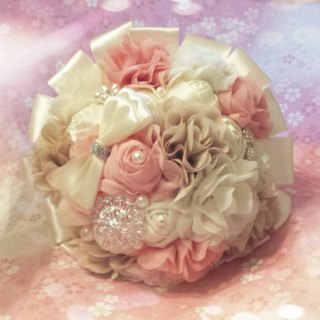 Brooch bouquet, wedding bouquet, bridal bouquet, bridesmaids bouquets