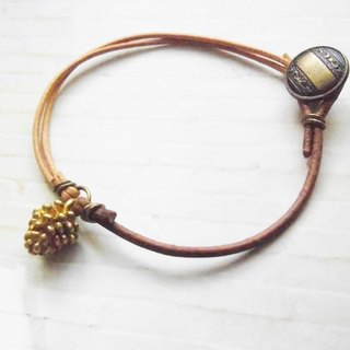 ﹉karbitrary﹉ ▲ ---⊕--- Small pine cones temperament simple leather bracelet hand rope gift