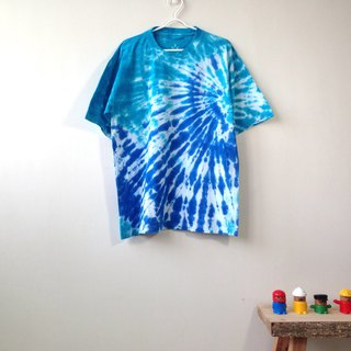 Hand dyed tie dye tie cotton T-shirt water blue radial