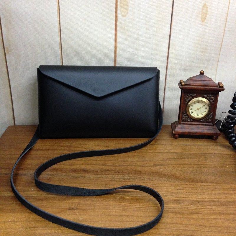 56304498a41f Hand-stitched leather simple oblique backpack (black) customized retro  phone bag carry bag travel bag - Designer Fábula Design - Handmade  Leatherwar
