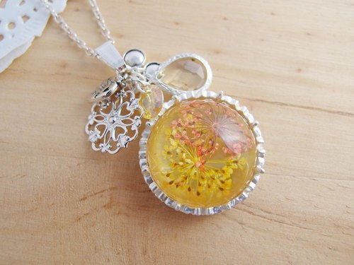 Florid forest [CN0144] Ming Huang x natural dried flowers Motif x x x CZ translucent crystal x-allergenic fade necklace]