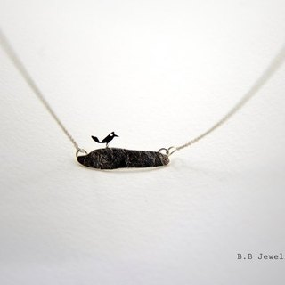 Birds style necklace on stone [BB]. 925 Silver