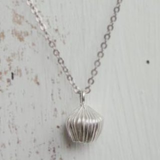 Lily handmade silver necklace