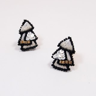 Snowflake Tree Embroidery Earrings / Snow White