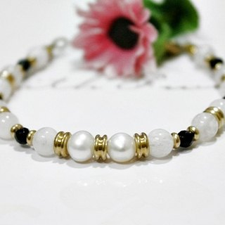 Natural stone bracelet _ x brass button can be changed Moonlight Love // ​​// elastic bracelet - Moonstone -