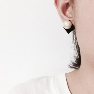 Square pearl earrings [MTO]