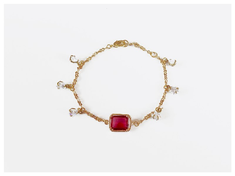 ∴Minertés = elegant ruby ​​crystal star zircon ‧ + small brass (gold-plated) Bracelet ∴