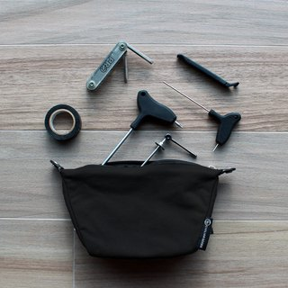Waxed Canvas Essentials Pouch -black