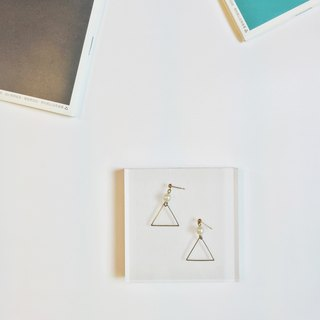 Marygo ﹝ ﹞ triangle pearl earrings