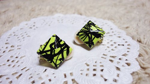 NiCorn hand made - Great Rock Season - fluorescent yellow-green bottom thick black ink stripe rivets retro earrings (ear clip-on)