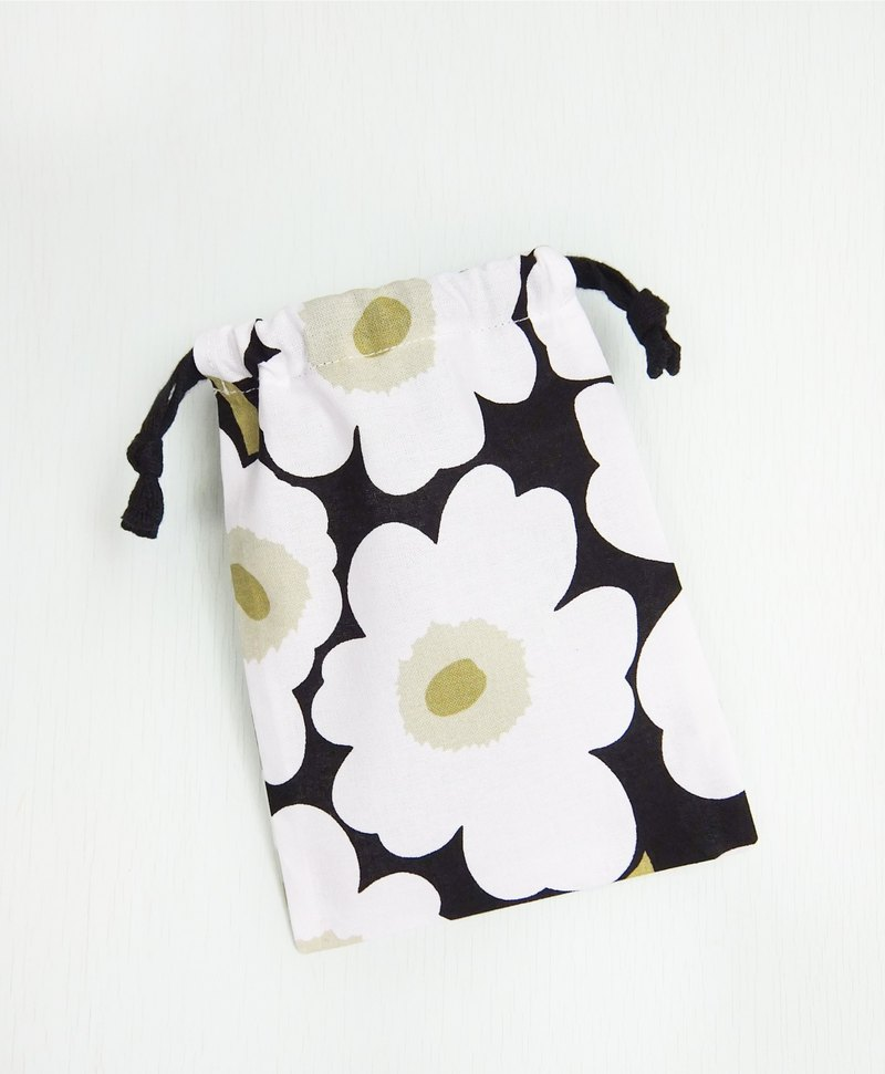 Selected Nordic Finnish Marimekko cotton fabric white poppy bouquet rope bag