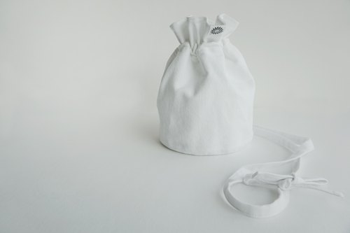 White Petal bucket bag - shoulder bag - Oblique Backpack - (Miansheng)