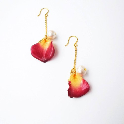 """PS anthomaniac AGFC"" (produced by injection) produced a full three-dimensional real flower petals Mian long section 24K gold-plated bead ear hook earrings"