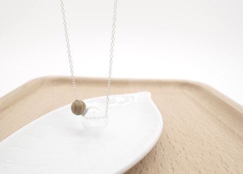 Simple Silver Jupiter transparent glass beads _ _ Phoebe necklace