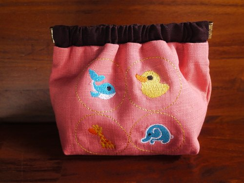 Cute animal embroidery shrapnel gold jeans bag (can be embroidered in English name please note)