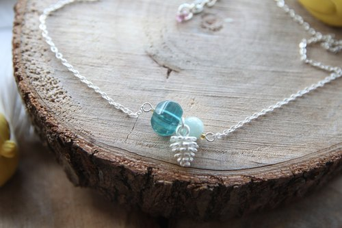 Bai Yuzhu child with blue fluorite, silver pine cones silver-plated necklace