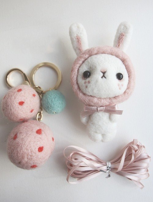 Strawberries and strawberry rabbit wool felt wool felt ornaments with deer antlers Accessories ─ exclusive ttes95432