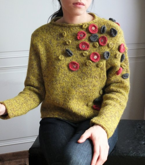 Japan's three-dimensional floral vintage wool knit sweater