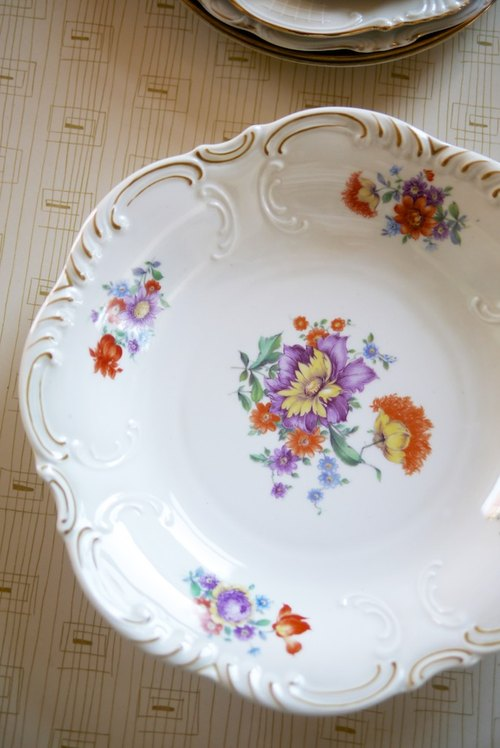 Flowers large porcelain retro} {Vintage ·