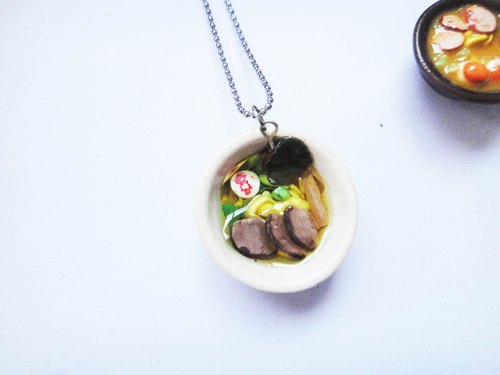Necklace duck ramen