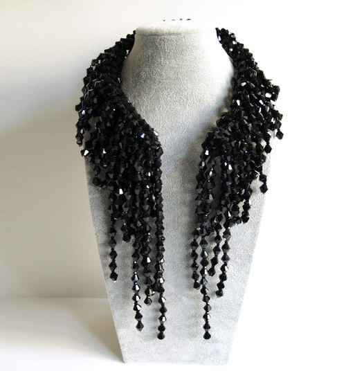 Black artificial crystal necklace