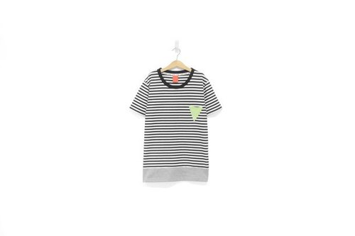 """H-ZOO"" black and white striped skirt * gray triangle pocket Tee (M size only)"